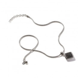 Classic Chain Pendant Necklace